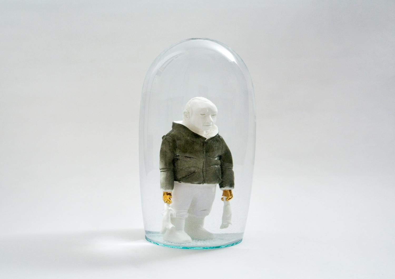 Mann mit Kätzchen  2007  H: 33 cm  sold