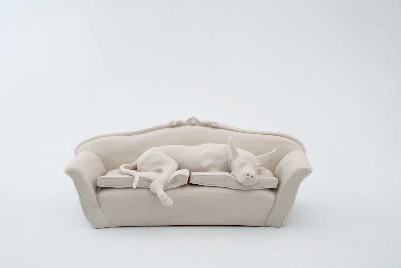 Hund auf Sofa 2009 H: 11 cm sold